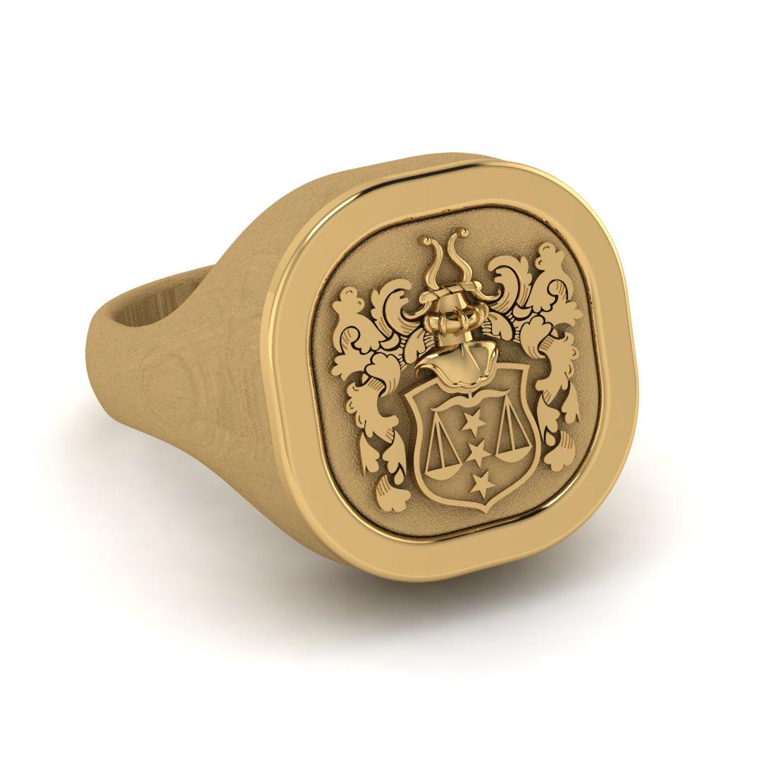 Массивный перстень с фамильным гербом